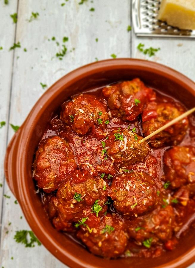 Albondigas I Spanish Meatballs I Happy Midweek Meal